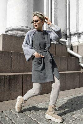 Pilkos sp. vilnos ir kašmyro paltas su pilkos audinės rankovėmis