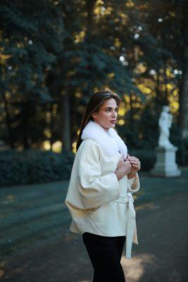 Baltos sp. vilnos ir kašmyro pončas su rankovėmis