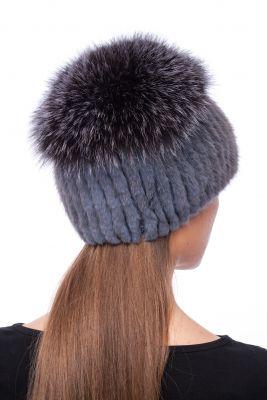 Megzta audinės kailio kepurė plačiu bumbulu, pilka