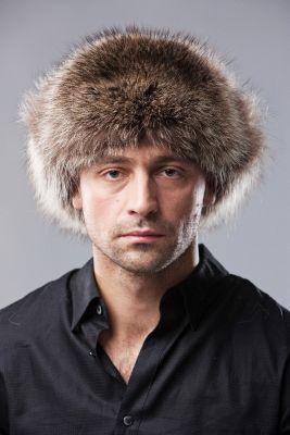 Meškėno kailio ausinė kepurė su oda, natūrali