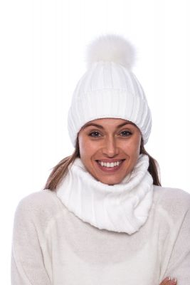 Megztas vilnos movos ir kepurės komplektas baltas