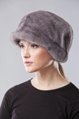 Audinės kailio beretė su snapeliu ir ausytėmis, natūrali pilka
