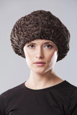 Karakulio kailio beretė, ruda