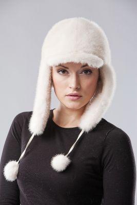 Audinės kailio ausinė kepurė su snapeliu, balta