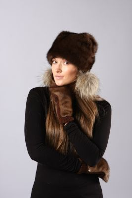 Audinės kailio kepurė Katinėlis su bumbuliukais, ruda