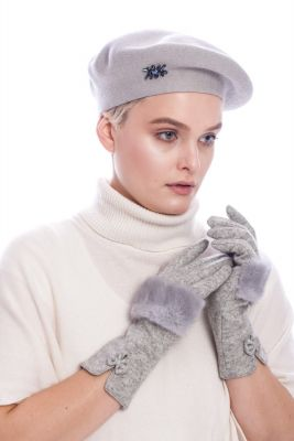 Vilnonė beretė pilkos spalvos
