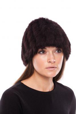 Megzta apvali triušio kailio kepurė, juoda
