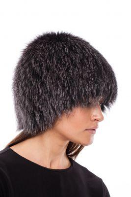 Megzta lapės kailio kepurė